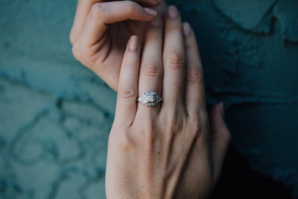 , Antique Diamond Engagement Ring 0.60ct diamond center