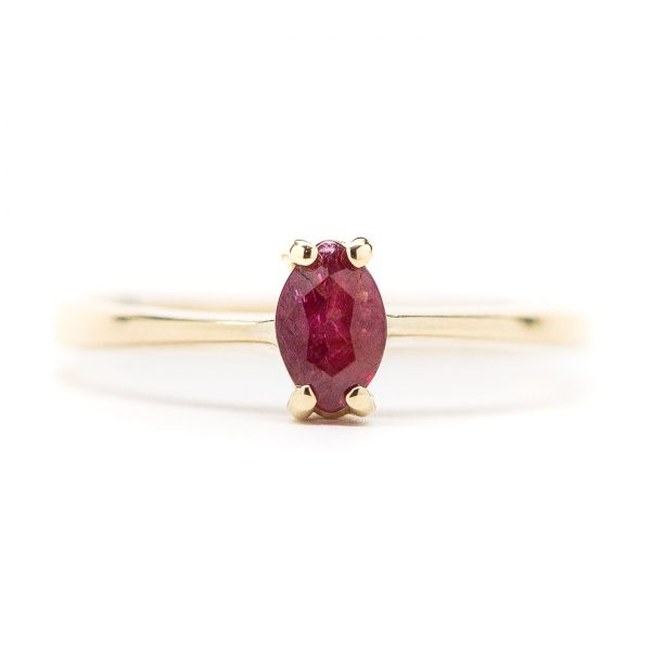 , Vintage 14kt Yellow Gold Ruby Stackable Ring; Size 4
