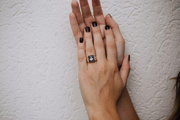 , Vintage Onyx Masonic Signet Ring; size 8
