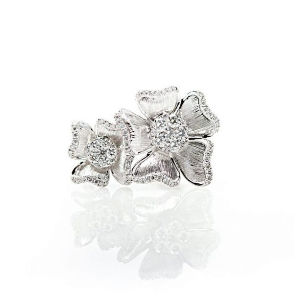 , 18kt White Gold Diamond Flower Fashion Ring