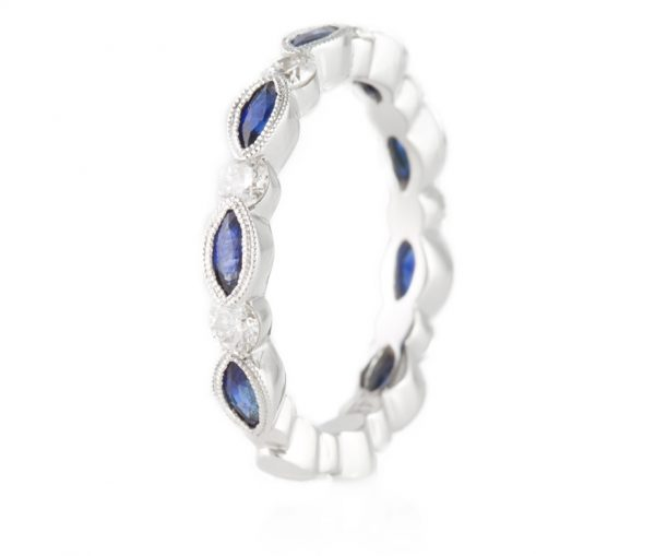 , Diamond & Sapphire Diamond Ring 18K White Gold