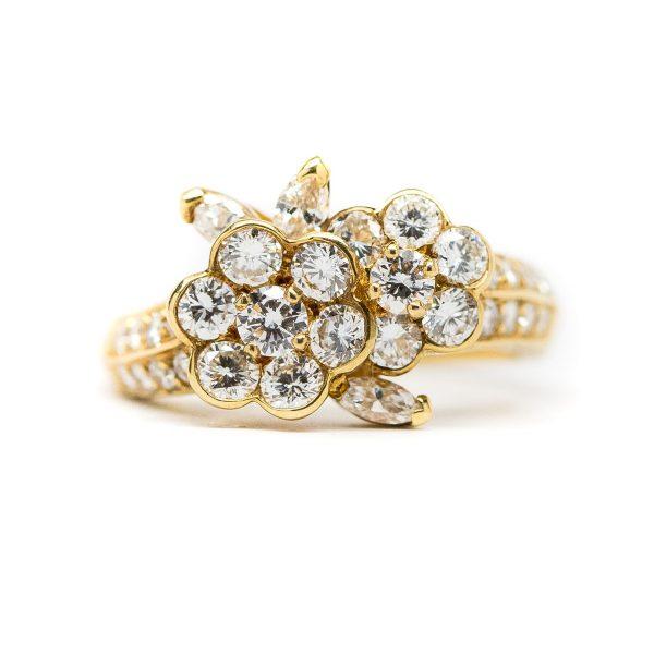 , Van Cleef Flower Cluster Ring 18 KT Yellow Gold