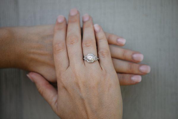 , 1.03 CT Engagement Ring set in Platinum