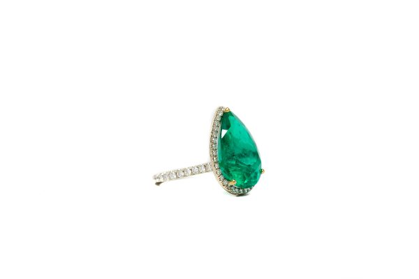 , 16.73 CT Colombian Emerald Pear Shape Ring