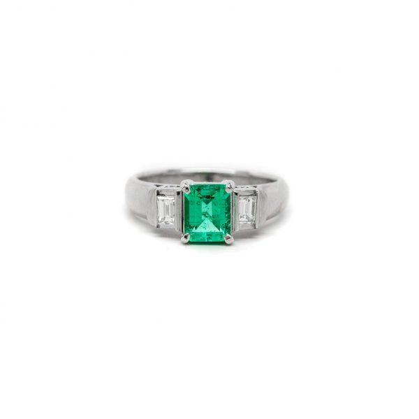 , Platinium Emerald + Diamond Ring